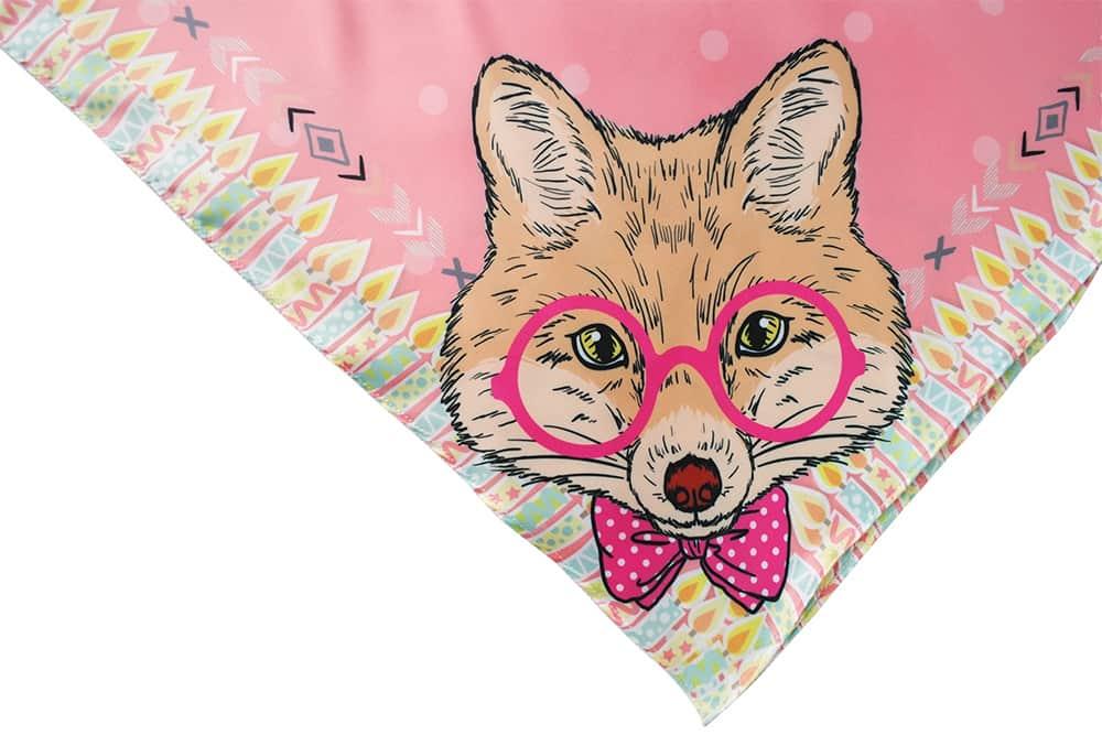 ผ้าพันคอลายหมาป่าใส่แว่น